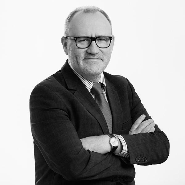 Piotr Karwat